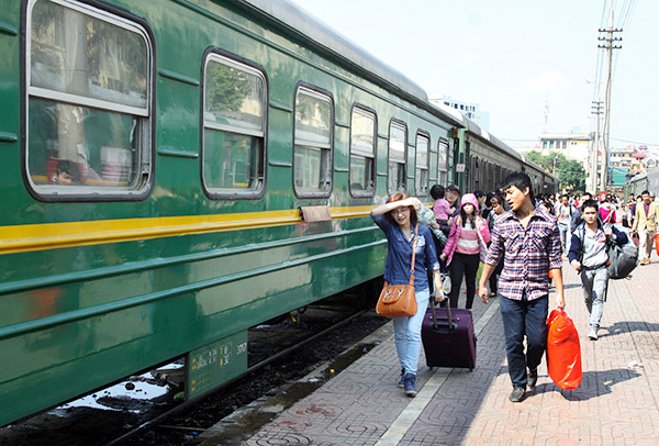 Train ticket prices for Lunar New Year Festival 2015 to be cut by 17