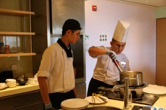 Cooking class at Sheraton Nha Trang Hotel & Spa