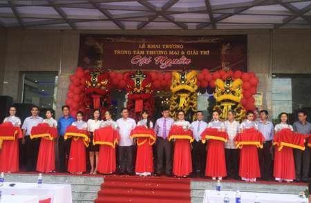 First supermarket in Ninh Hoa opens