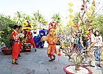 Vietnamese Tet culture presented to tourists