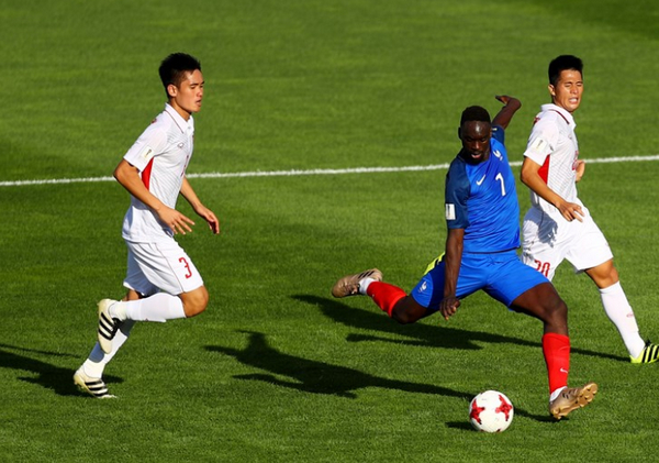 Vietnam U-20 defeated by France U-20