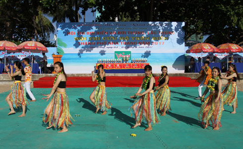 Dancing item performed before competitions.