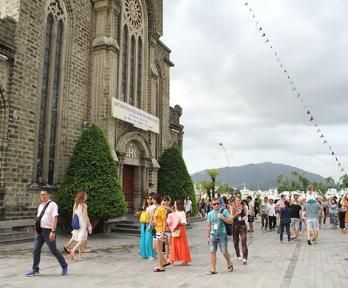 Tourists visiting Nha Trang Cathedral
