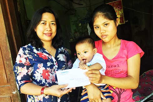 More donations sent to Khanh Hoa Newspaper to help people with difficulties