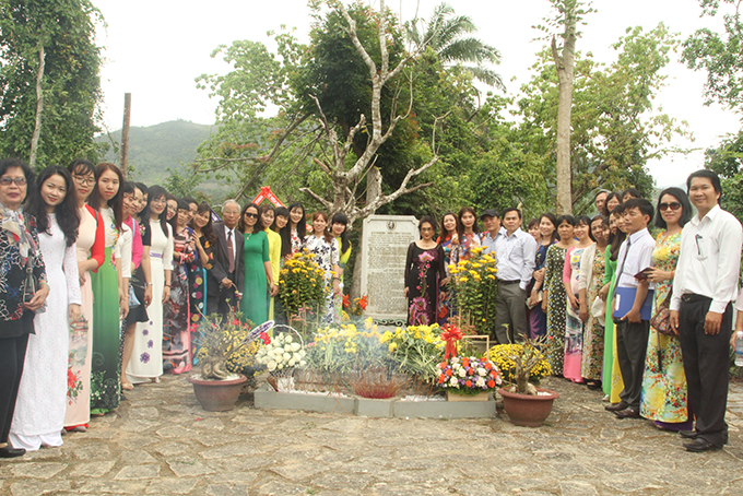 … teachers at two schools named after of Dr. Alexandre Yersin in Nha Trang and Cam Lam attend ceremony