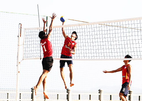 Khanh Hoa beach volleyball athletes are practicing