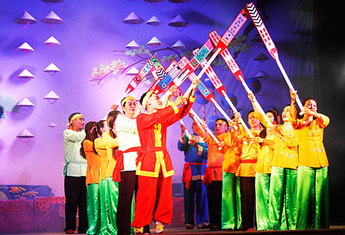 Khanh Hoa Provincial Traditional Art Theatre presents plays on stage again