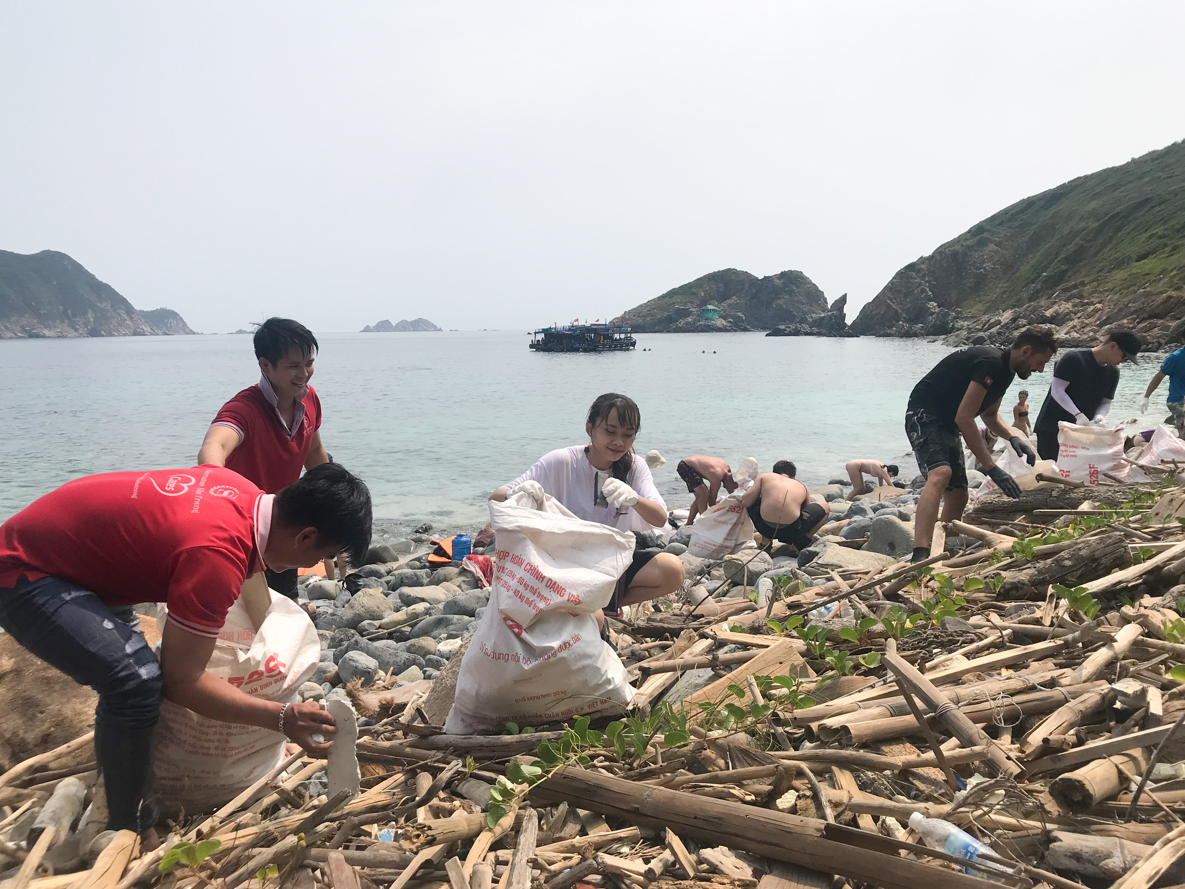 Plastic waste clean-up