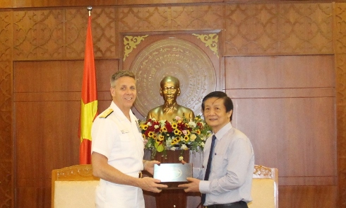 US Indo-Pacific Command Admiral visits Khanh Hoa