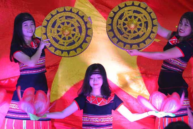 Cultural color of ethnic minorities in Khanh Vinh District