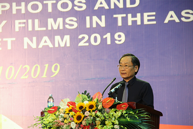 Nguyen Dac Tai, Permanent Deputy Chairman of Khanh Hoa Provincial People's Committee speaking at the event