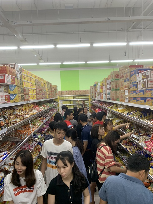 Shelves of instant noodle and dry food are full of customers