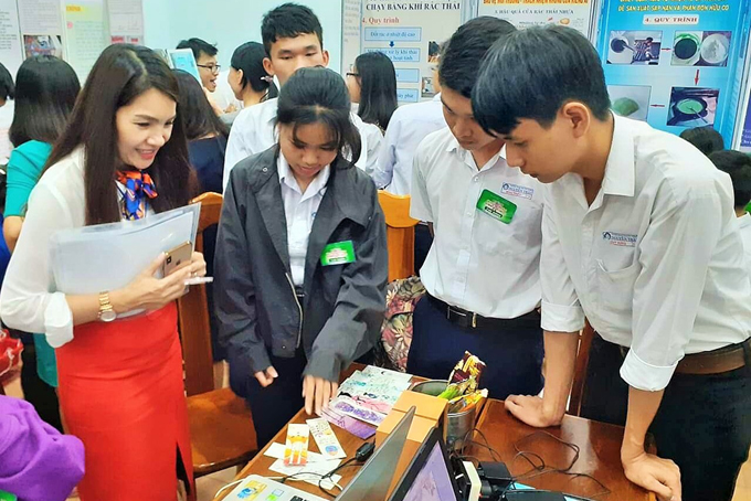 Contest on environmental protection solutions for high school students in Khanh Hoa