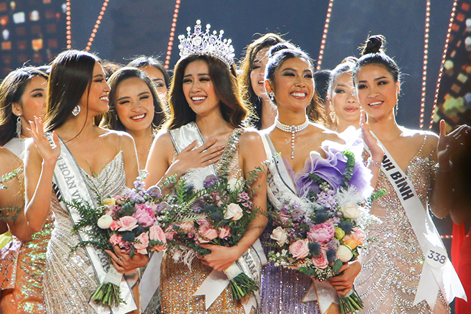 Some photos of Miss Universe Vietnam 2019 final show in Nha Trang