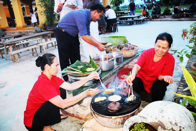 Making cuisine become tourist product