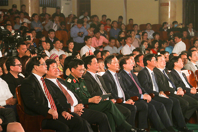 Representatives at closing ceremony of the 39th National Television Festival