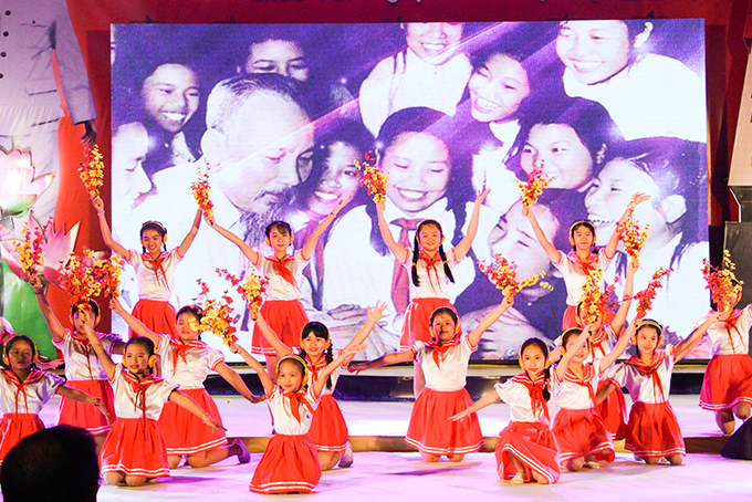 Children from Khanh Hoa Children's House performing at video-conference 2019