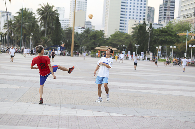 People playing sepak takraw at 2-4 Square