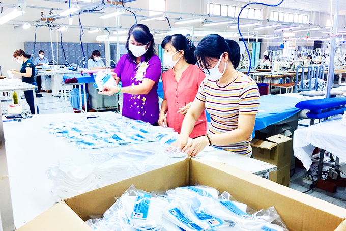 Textile garment enterprises change production