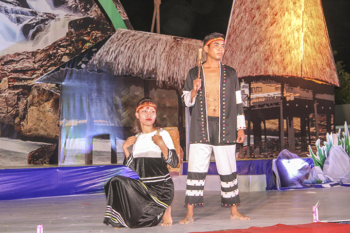 Performance of traditional costumes of Raglai ethnic minority at an art show