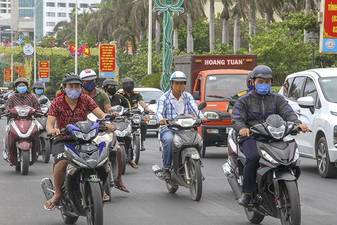 Mostly all people in Nha Trang wear masks when travelling on streets