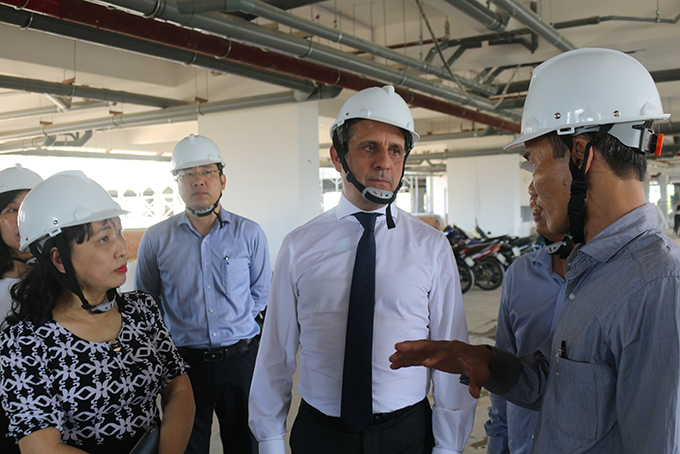 French Consul General in Ho Chi Minh City works with Khanh Hoa Development Investment Fund