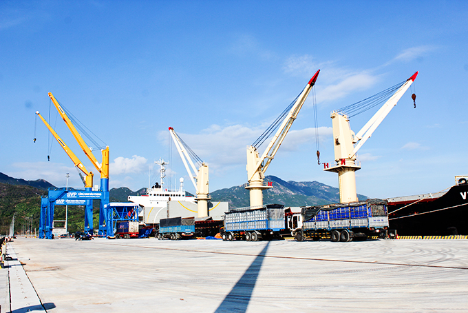 Logistics - transportation considered as an advantageous service field of Khanh Hoa Province