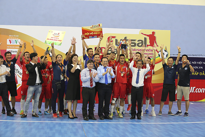 Nha Trang University win 2020 HDBank futsal tournament for students in central and highland regions