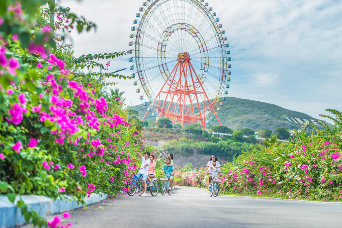 VinWonders Nha Trang receives over 14,000 tourists/day
