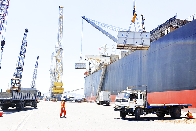 Cam Ranh Port makes effort to restore production and business