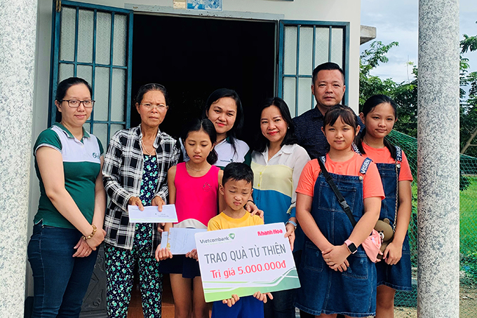 Two orphans donated over VND200 million