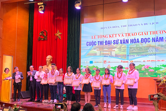 Three Khanh Hoa pupils win prizes of Reading Culture Ambassador Contest 2020