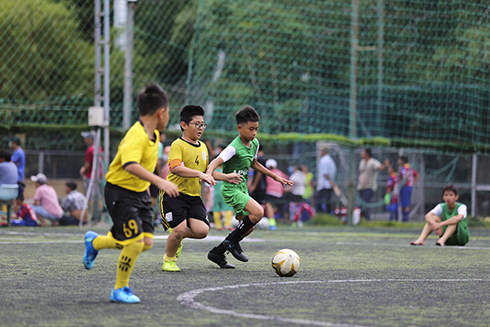 Players competing in an U11 tournament