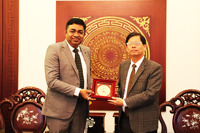 Indian Consul General visits Khanh Hoa