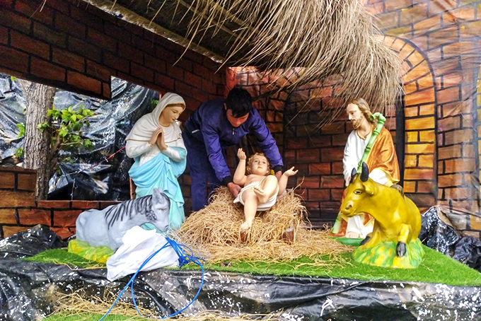 Safe celebration of Christmas during COVID-19