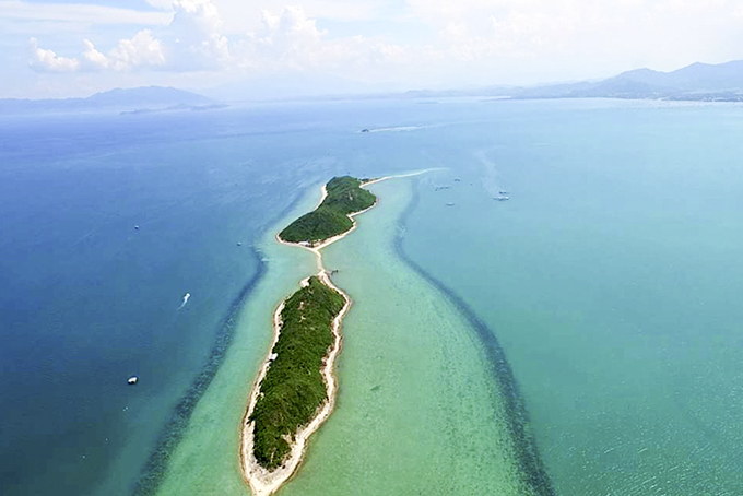 Natural walking path on the sea in Diep Son