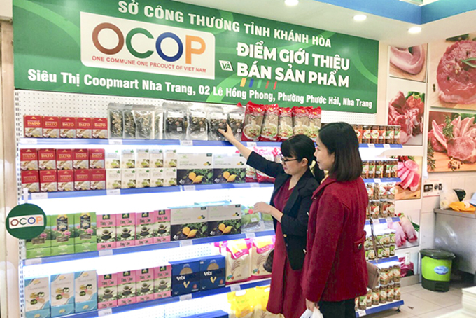 Selling OCOP products to consumers