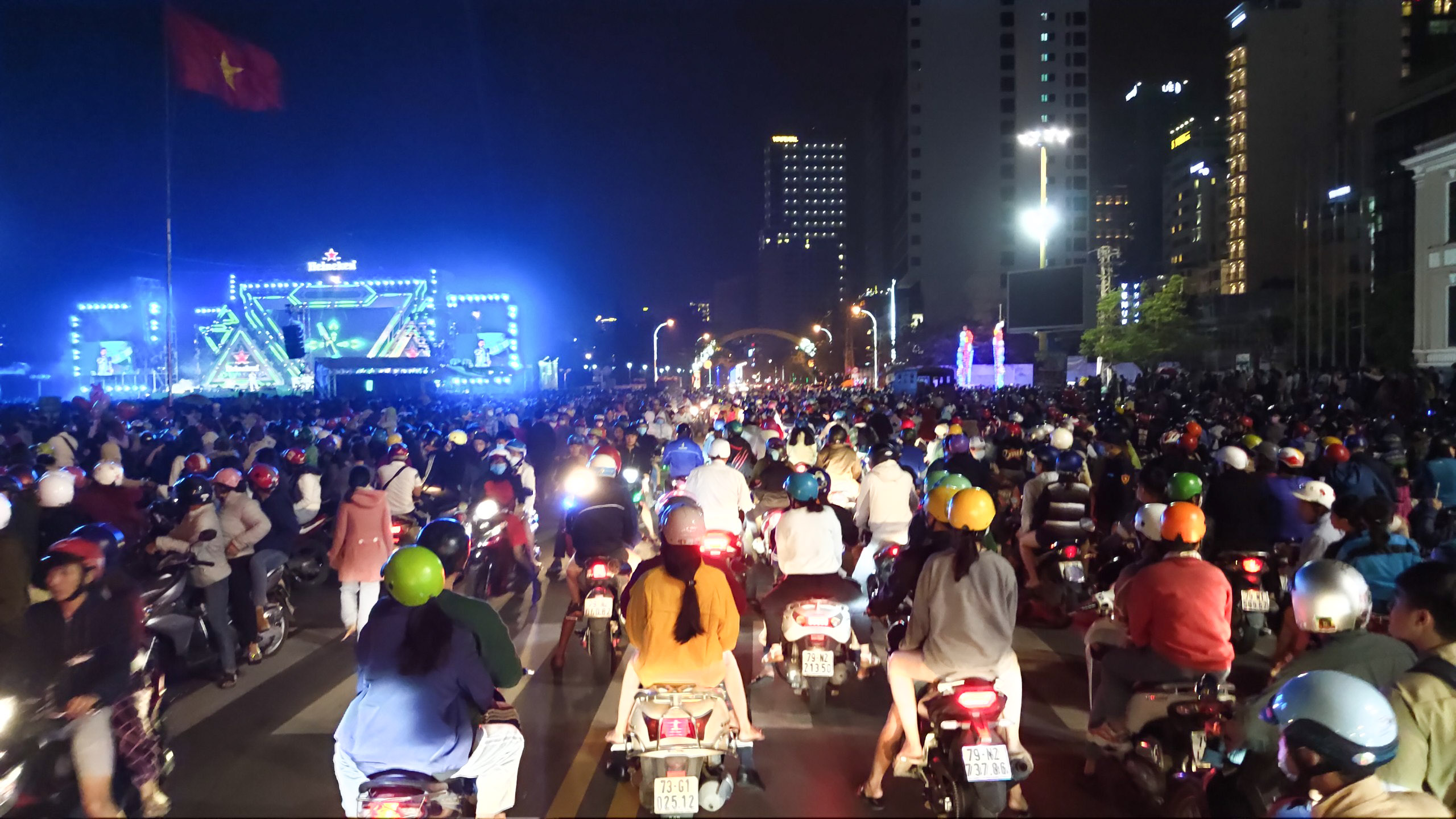 A lot of people flock to 2-4 Square area on New Year's Eve