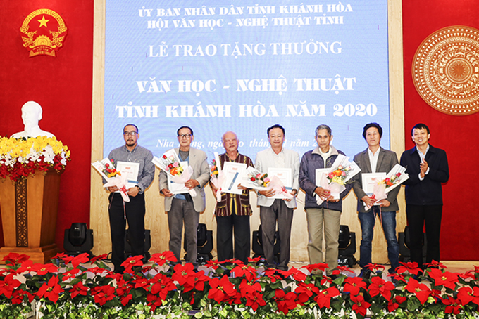 Outstanding artists and writers in 2020 of Khanh Hoa Province