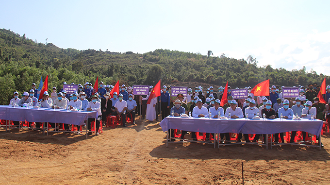 Representative attending tree-planting launching ceremony