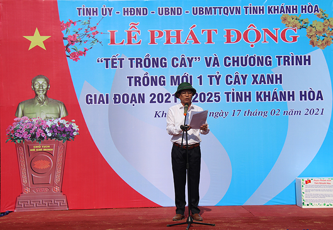 Nguyen Tan Tuan calls on organizations and individuals to respond to tree-planting programs