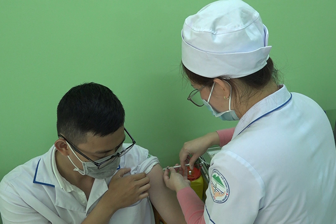 VIDEO: First Covid-19 vaccination drive in Khanh Hoa