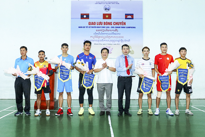 Friendly volleyball contest for Lao and Cambodian students
