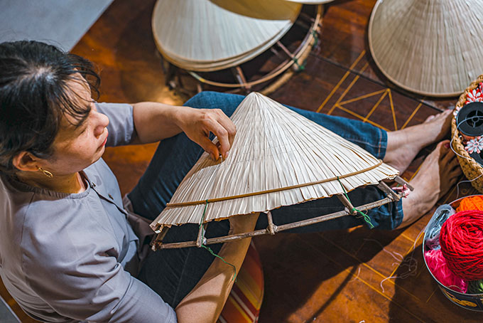 Making conical hats in Khanh Hoa