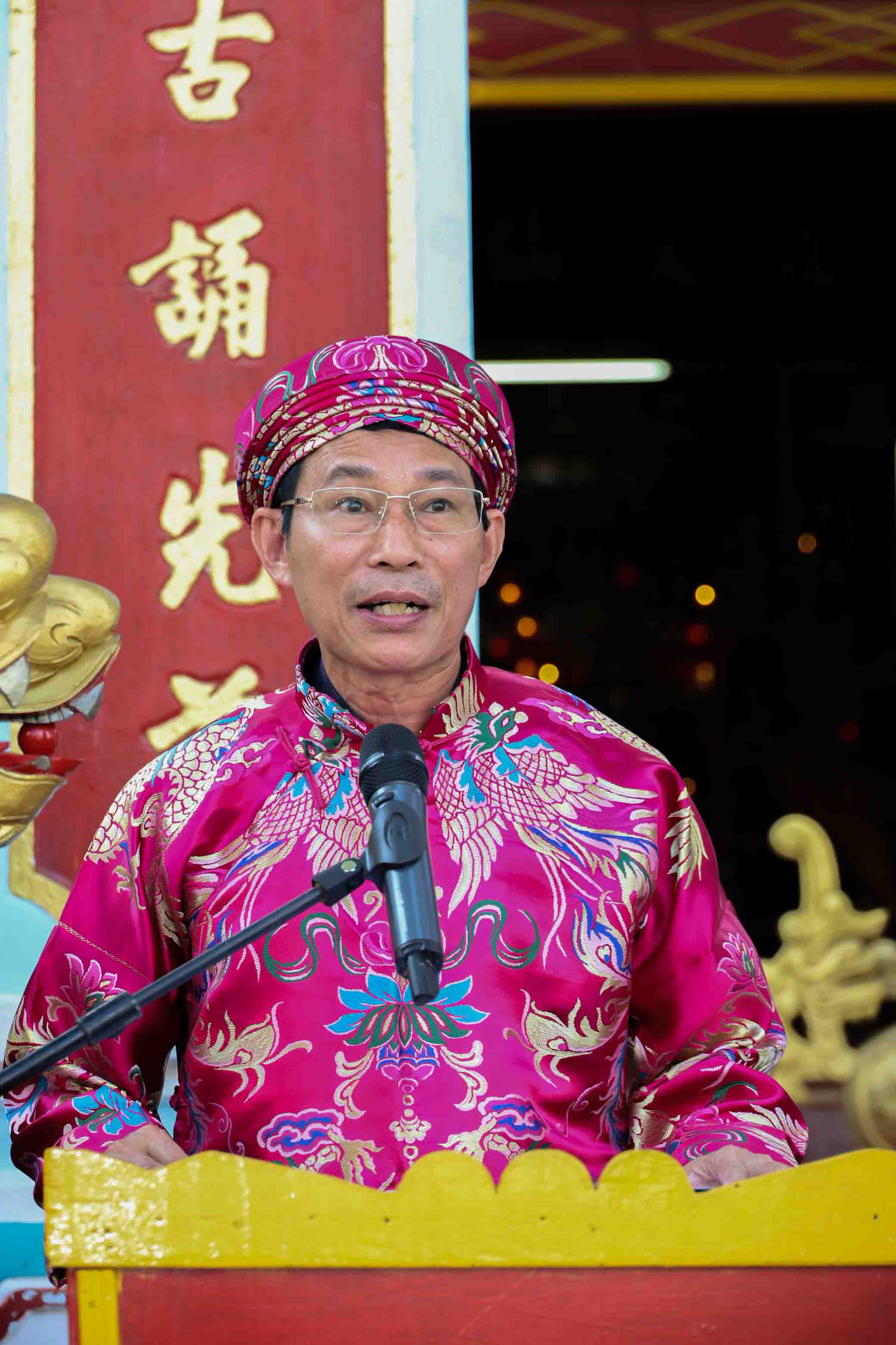 … and delivers eulogy expressing the gratitude to Hungs Kings