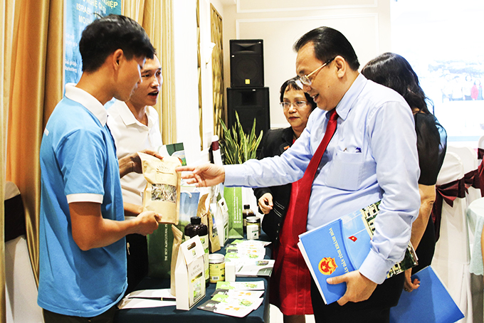 Le Huu Hoang - Vice-chairman of Khanh Hoa Provincial People's Committee sees a start-up model.