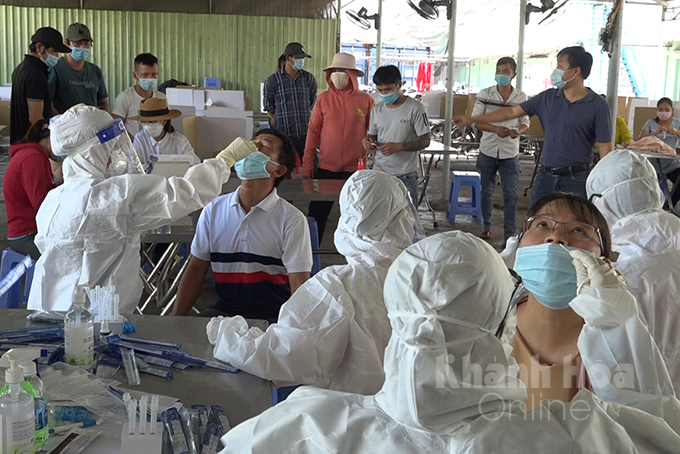 … and workers at Suoi Dau Industrial Zone (Cam Lam District)